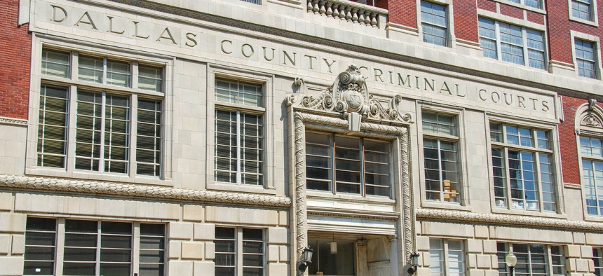 Dallas, Texas: Exterior view of the Dallas County Criminal Courts building in the city center (September 2009)